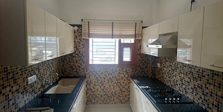 GBP crest Kitchen Sample Flat'