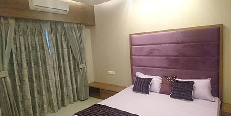 GBP crest bedroom sample pic